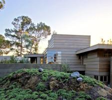 Howe Residence